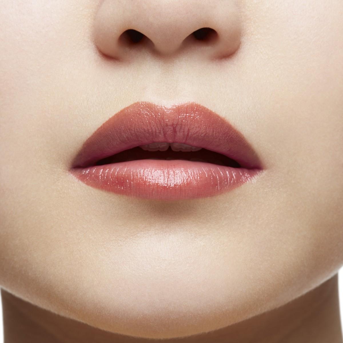 Woman Beauty - Rose Du Desert - Christian Louboutin