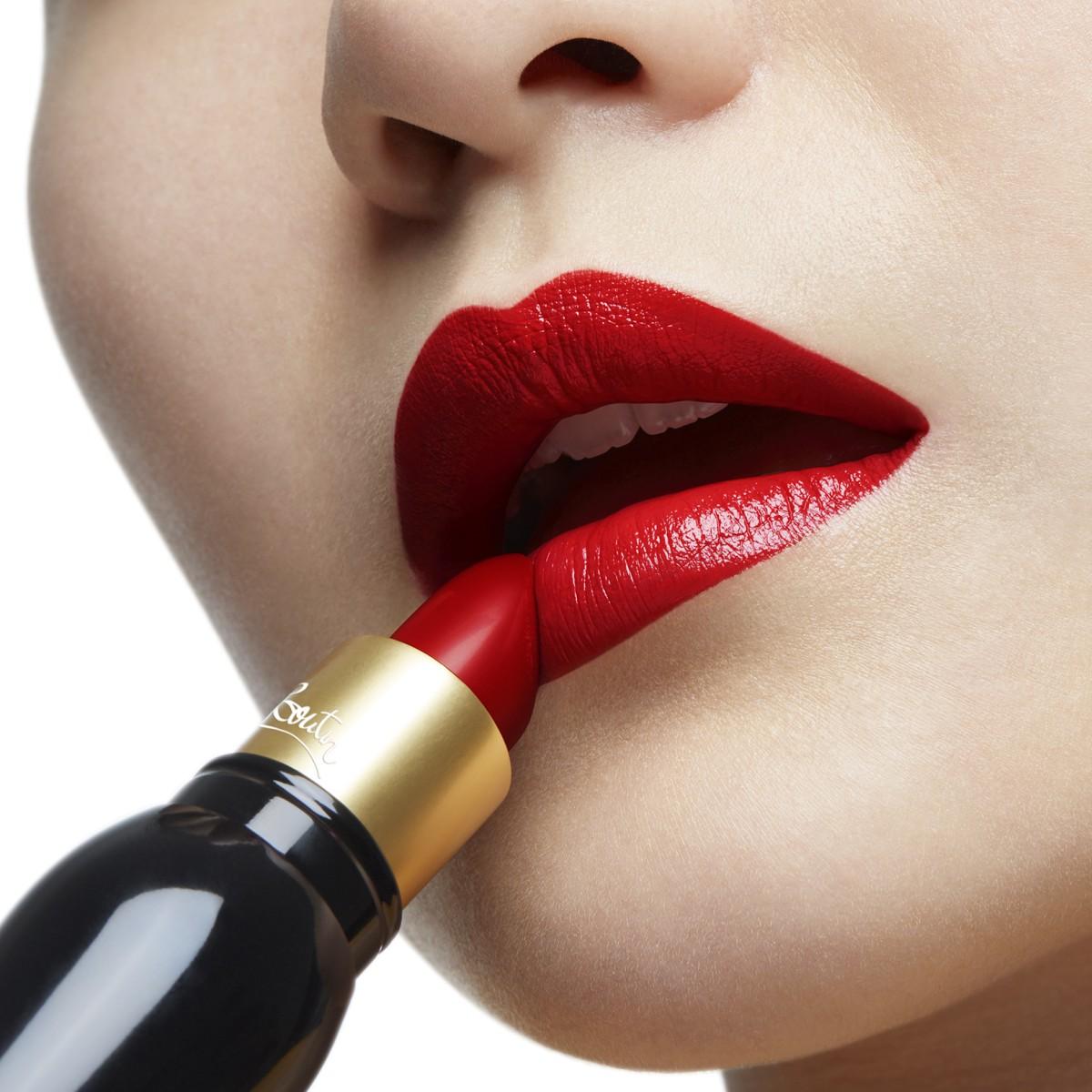 Woman Beauty - Rouge Louboutin - Christian Louboutin