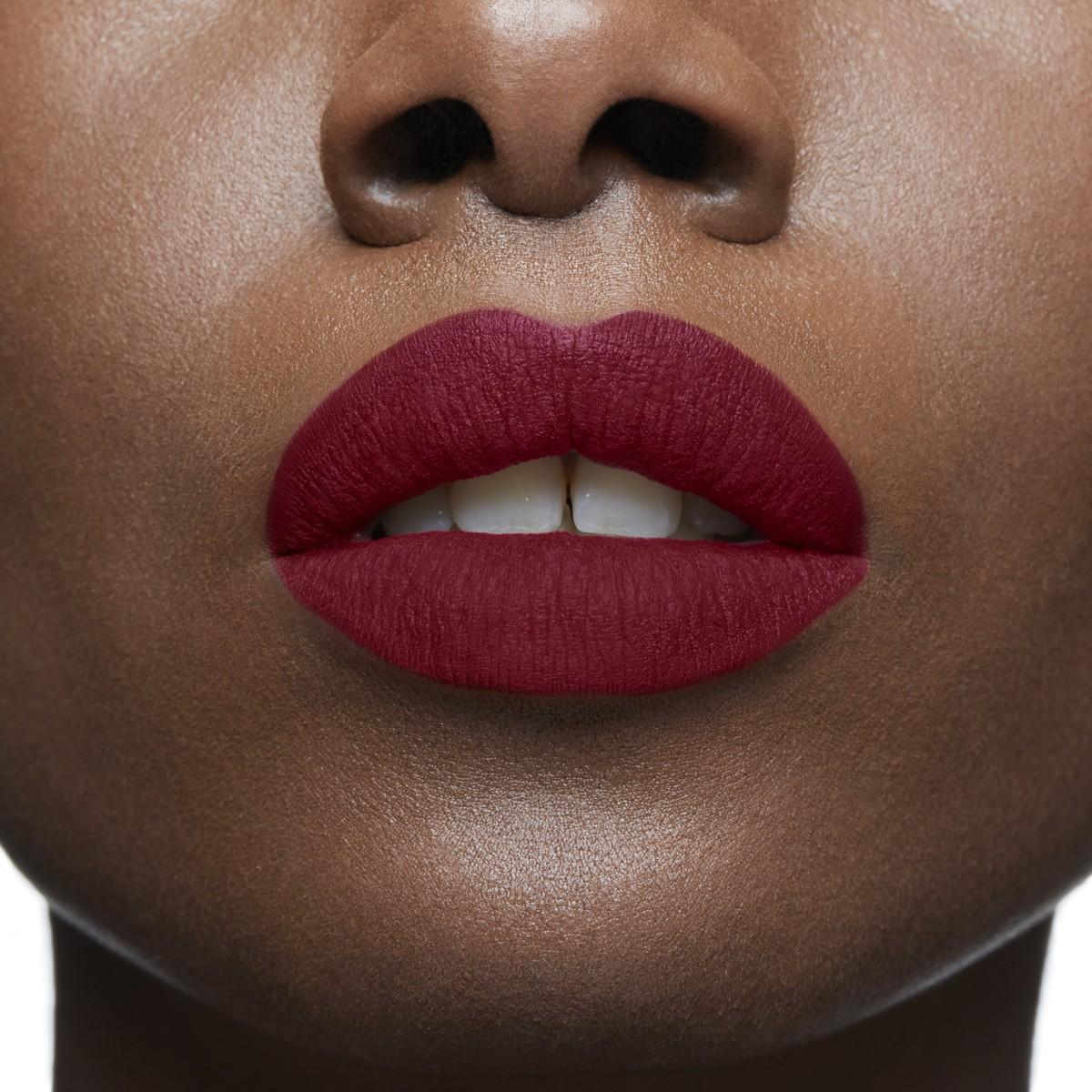 Woman Beauty - Very Prive - Christian Louboutin
